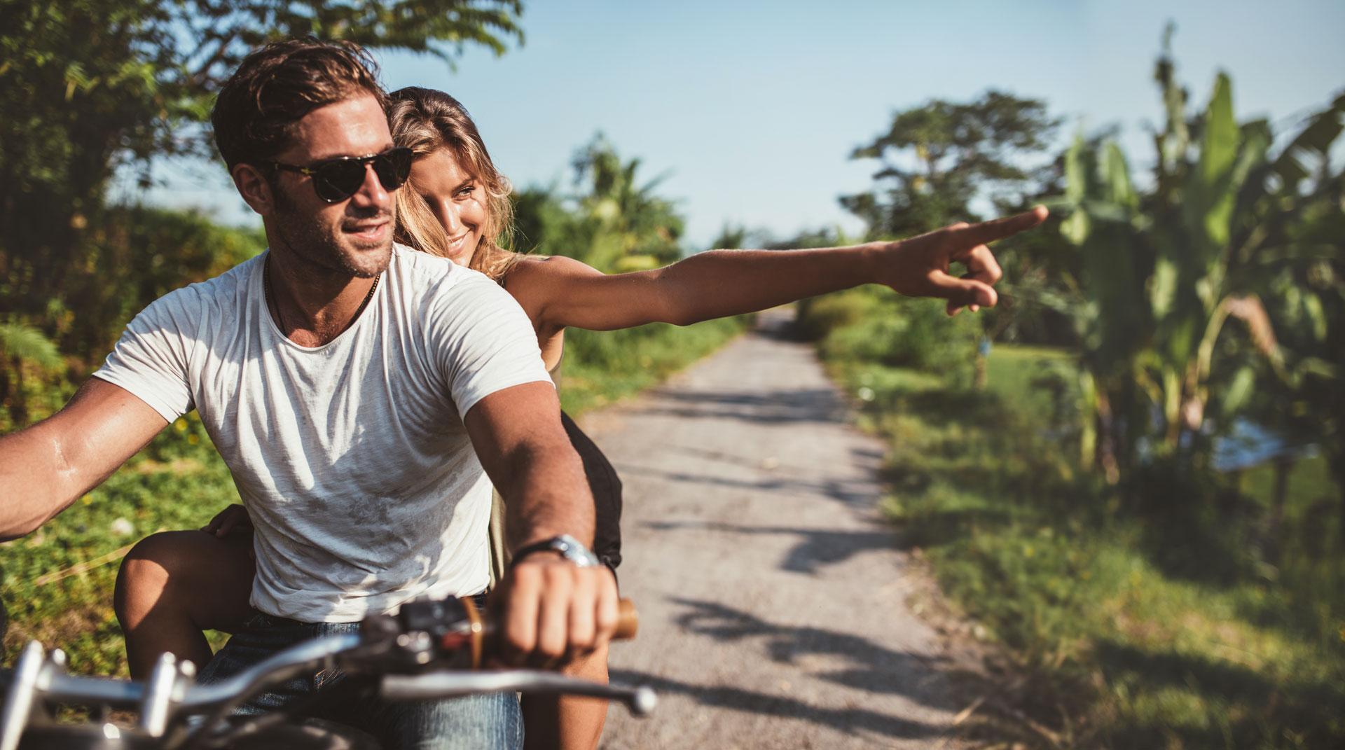 couple moto sun