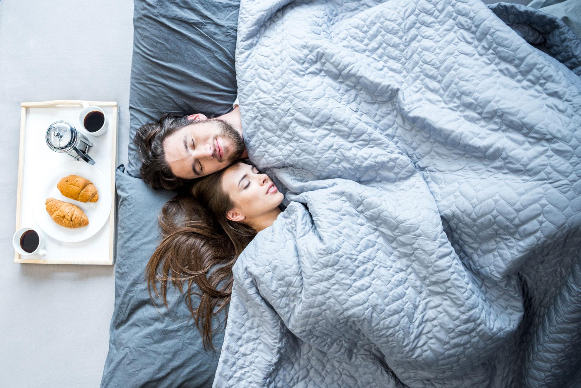 Couple lit dormir